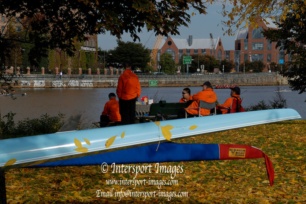 Boston, USA, Volunteers, take early morning coffee, outside the Riverside Club., Head of the Charles, Race Charles River,  Cambridge,  Massachusetts. Sunday  20/10/2007  [Mandatory Credit Peter Spurrier/Intersport Images]..... , Rowing Course; Charles River. Boston. USA