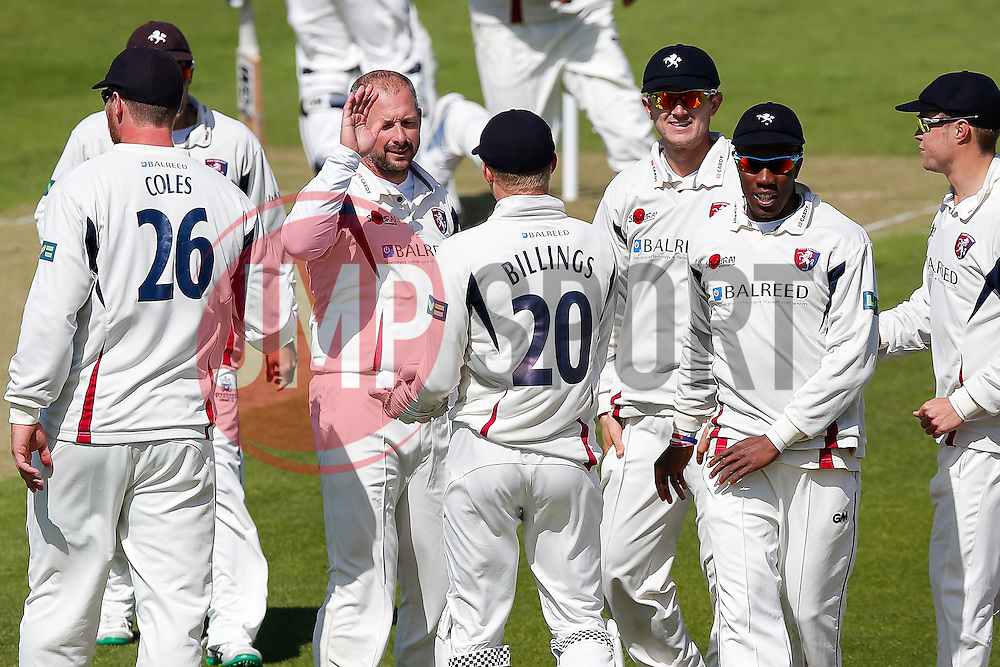 Sam Billings celebrates with bowler Darren Stevens after catching Gareth Roderick of Gloucestershire for 28 - Photo mandatory by-line: Rogan Thomson/JMP - 07966 386802 - 18/05/2015 - SPORT - CRICKET - Bristol, England - Bristol County Ground - Gloucestershire v Kent - Day 1 - LV= County Championship Division Two.