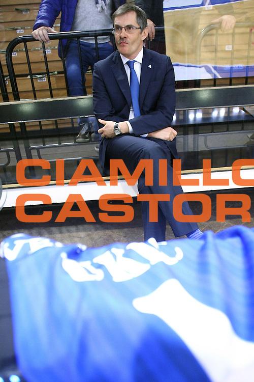 DESCRIZIONE : Cremona Lega A 2015-2016 Vanoli Cremona Acqua Vitasnella Cantu<br /> GIOCATORE :  Sergey Bazarevich Coach<br /> SQUADRA : Acqua Vitasnella Cantu<br /> EVENTO : Campionato Lega A 2015-2016<br /> GARA : Vanoli Cremona Acqua Vitasnella Cantu<br /> DATA : 03/04/2016<br /> CATEGORIA : Coach Before PreGame<br /> SPORT : Pallacanestro<br /> AUTORE : Agenzia Ciamillo-Castoria/F.Zovadelli<br /> GALLERIA : Lega Basket A 2015-2016<br /> FOTONOTIZIA : Cremona Campionato Italiano Lega A 2015-16  Vanoli Cremona Acqua Vitasnella Cantu<br /> PREDEFINITA : <br /> F Zovadelli/Ciamillo