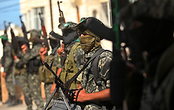 10.10.2015, Deir al-Balah, PSE, Gewalt zwischen Palästinensern und Israelis, im Bild Zusammenstösse zwischen Palästinensischen Demonstranten und Israelischen Sicherheitskräfte // Palestinian militants of the Ezzedine al-Qassam Brigades, Hamas' armed wing, attend the funeral of 22-year-old Jihad al-Obeid, who died in clashes with Israeli security forces near the border, in Deir al-Balah, in the center of the Gaza Strip, on October 10, 2015. Violence between Israelis and Palestinians threatened to spiral out of control after unrest spread to Gaza, the Palestinian death toll rose and a new stabbing by a 16-year-old in Jerusalem, Palestine on 2015/10/10. EXPA Pictures © 2015, PhotoCredit: EXPA/ APAimages/ Ashraf Amra<br /> <br /> *****ATTENTION - for AUT, GER, SUI, ITA, POL, CRO, SRB only*****