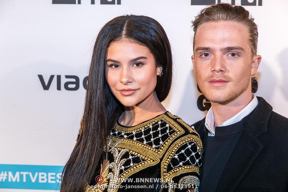 NLD/Amsterdam/20171106 - MTV Pre party 2017, Loïs Bodil Wattimena en partner