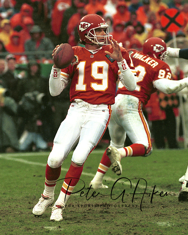 Kansas City quarterback Joe Montana during game action against the San Diego Chargers at Arrowhead Stadium in Kansas City, Missouri in 1994.