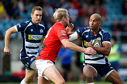 Bristol Rugby Winger Tom Varndell hands off London Welsh Fly-Half Joe Carlisle - Mandatory byline: Rogan Thomson/JMP - 07966 386802 - 13/09/2015 - RUGBY UNION - Old Deer Park - Richmond, London, England - London Welsh v Bristol Rugby - Greene King IPA Championship.