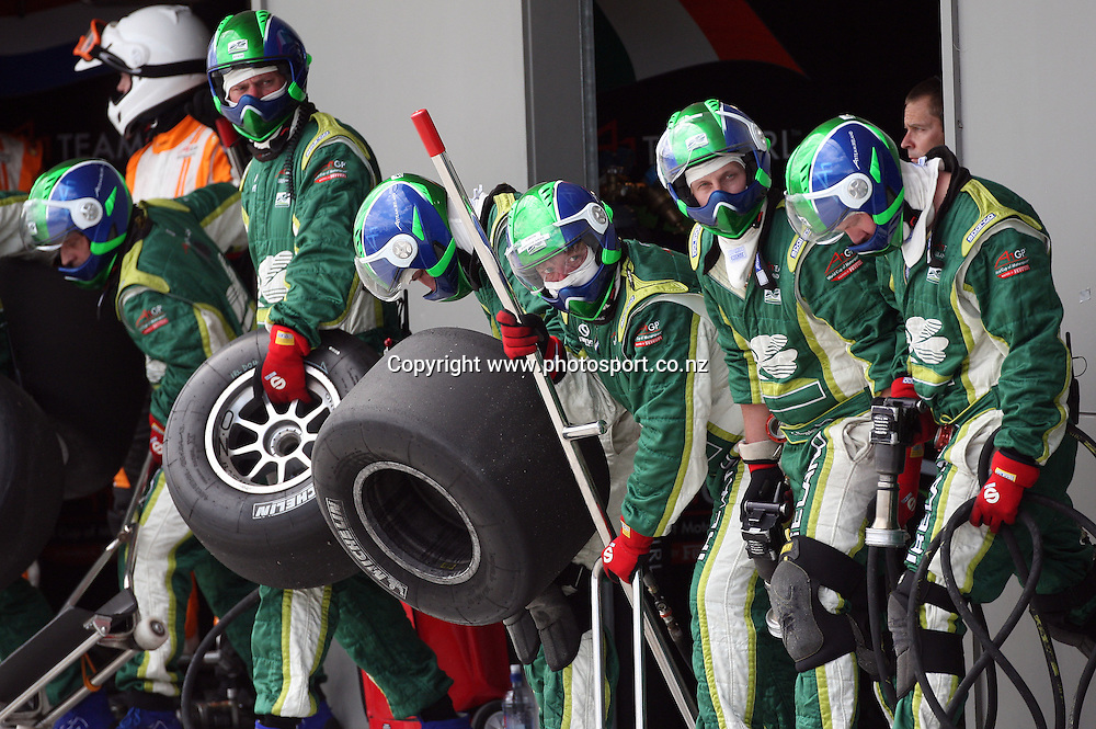 A1 Team Ireland wait for the car to pit in the A1 GP Feature Race, Taupo, New Zealand, Sunday 25 January 2009. Photo: Andrew Cornaga/PHOTOSPORT
