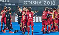 BHUBANESWAR, INDIA -  Vreugde bij de Belgen na  de  finale tussen België en Nederland (0-0) , Belgie wint shoot-outs, bij het WK Hockey heren in het Kalinga Stadion. midden Victor Wegnez (Belgie) . COPYRIGHT KOEN SUYK