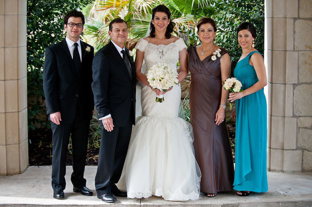 10/9/11 4:06:27 PM -- Zarines Negron and Abelardo Mendez III wedding Sunday, October 9, 2011. Photo©Mark Sobhani Photography