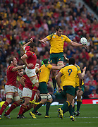 Twickenham, Great Britain,  Dean MUMM out jumps Sam WARBURTON, to win the line out ball, during the Pool A game, Australia vs Wales.  2015 Rugby World Cup,  Venue, Twickenham Stadium, Surrey, ENGLAND.  Saturday  10/10/2015.   [Mandatory Credit; Peter Spurrier/Intersport-images]
