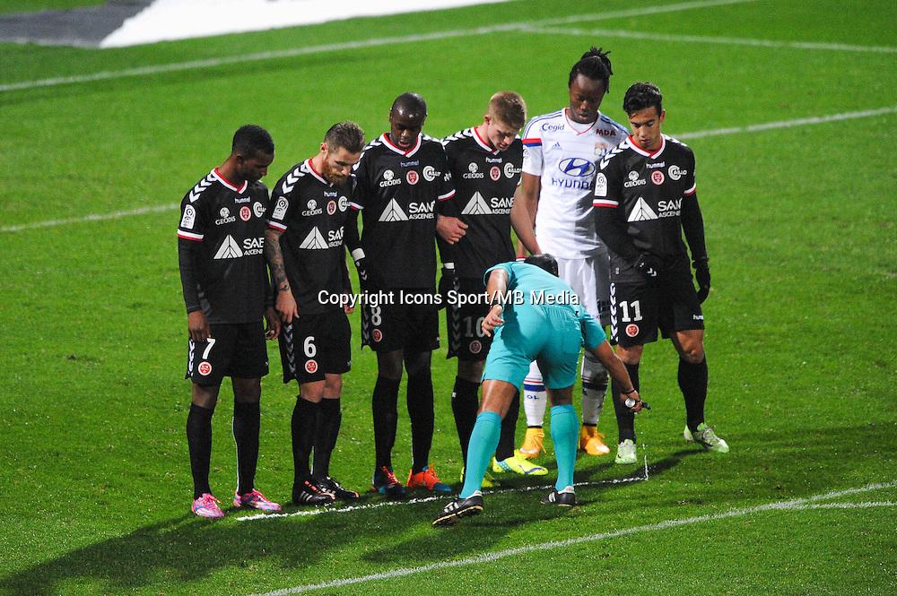 Illustration bombe arbitre  - 04.12.2014 - Lyon / Reims - 16eme journee de Ligue 1  <br /> Photo : Jean Paul Thomas / Icon Sport