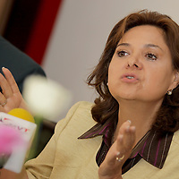 METEPEC, México.- María Elena Gómez Lastiri candidata a diputación federal por el distrito 34 del Partido del Trabajo y Convergencia prevé  violencia electoral este próximo domingo, día en que se llevarán a cabo las elecciones. Agencia MVT / Crisanta Espinosa. (DIGITAL)