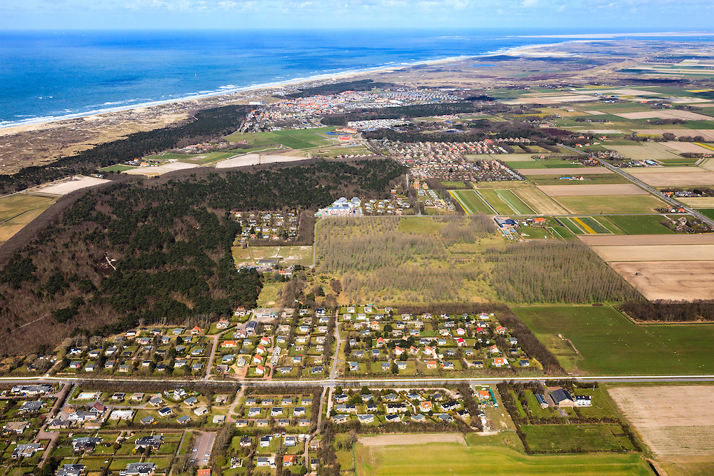 Nederland, Noord-Holland, Texel, 16-04-2012; Chalets Camping De Bremakker  / Vredelust . .Camping with holiday chalets at the isle of Texel. Northsea and beach.     luchtfoto (toeslag), aerial photo (additional fee required);.copyright foto/photo Siebe Swart