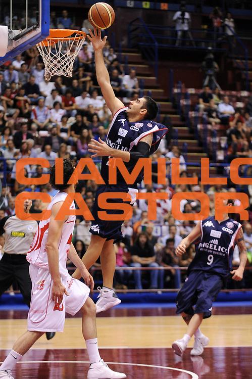 DESCRIZIONE : Milano Lega A 2008-09 Playoff Semifinale Gara 1 Armani Jeans Milano Angelico Biella<br /> GIOCATORE : Pietro Aradori<br /> SQUADRA : Angelico Biella<br /> EVENTO : Campionato Lega A 2008-2009<br /> GARA : Armani Jeans Milano Angelico Biella<br /> DATA : 29/05/2009<br /> CATEGORIA : tiro penetrazione<br /> SPORT : Pallacanestro<br /> AUTORE : Agenzia Ciamillo-Castoria/A.Dealberto