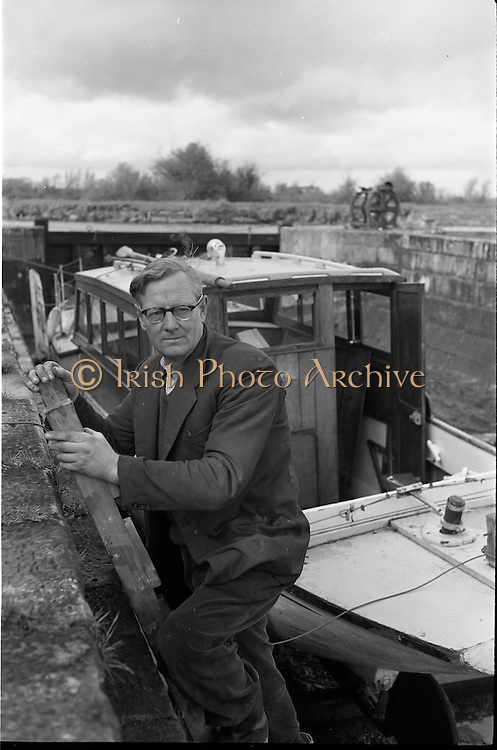 06-10/04/1964.04/06-10/1964.06-10 April 1964.Views on the River Shannon. Mr. George O'Brien Kennedy one of the men behind the great revival of the boating industry on the Shannon. Founder of K. Line boats.