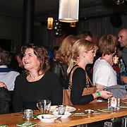 NLD/ENSCHEDE/20121222-SERIOUS REQUEST DAG 5 - Lilianne Ploumen aan de bar