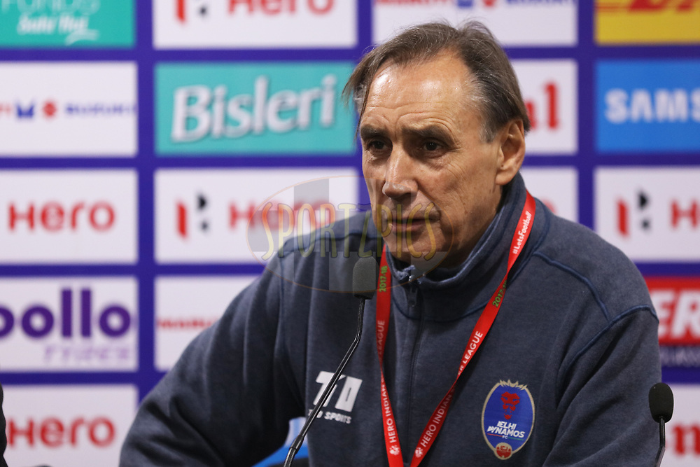 Miguel Angel Portugal head coach of Delhi Dynamos FC at PC during match 43 of the Hero Indian Super League between Delhi Dynamos FC and Kerala Blasters FC  held at the Jawaharlal Nehru Stadium, Delhi, India on the 10th January 2018<br /> <br /> Photo by: Saikat Das  / ISL / SPORTZPICS
