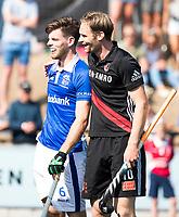 UTRECHT -  Mirco Pruyser (A'dam)  met Lars Balk (Kampong)  tijdens   de finale van de play-offs om de landtitel tussen de heren van Kampong en Amsterdam (3-1). Kampong kampioen van Nederland. COPYRIGHT  KOEN SUYK
