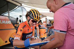 Chantal Blaak signs another autograph at Boels Rental Ladies Tour Stage 3 a 16.9 km individual time trial in Roosendaal, Netherlands on August 31, 2017. (Photo by Sean Robinson/Velofocus)