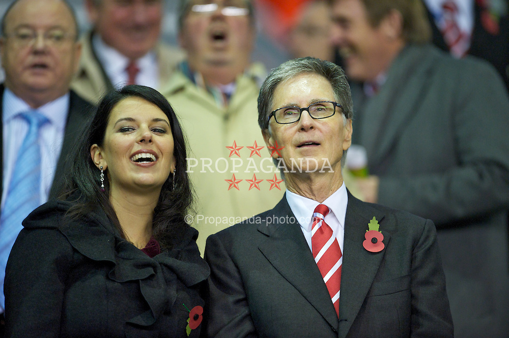 LIVERPOOL, ENGLAND - Thursday, November 4, 2010: Liverpool FC owner John W. Henry with his wife Linda Pizzuti during the UEFA Europa League Group K Matchday 4 match against SSC Napoli at Anfield. (Photo by David Rawcliffe/Propaganda)