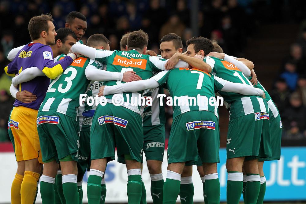 12.4.2015, Kisapuisto, Lahti.<br /> Veikkausliiga 2015.<br /> FC Lahti - FC KTP.<br /> KTP valmistautuu otteluun.