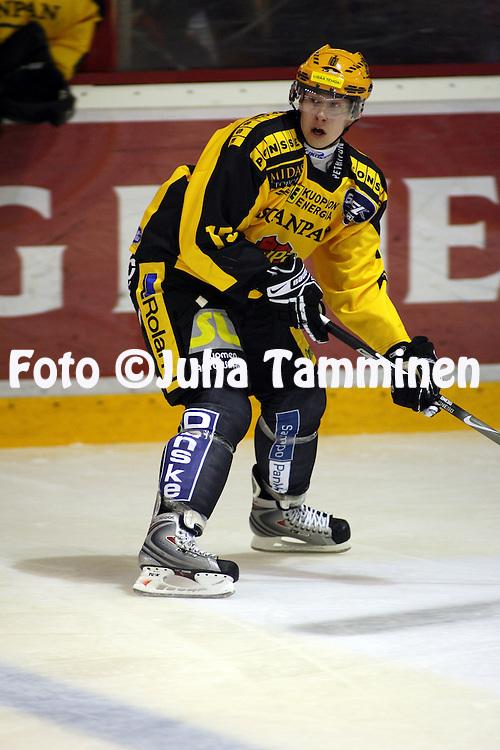04.10.2008, Isom?en halli, Pori..J??kiekon SM-liiga 2008-09..?ss?t -KalPa.Joonas Riekkinen - KalPa.©Juha Tamminen.....ARK:k