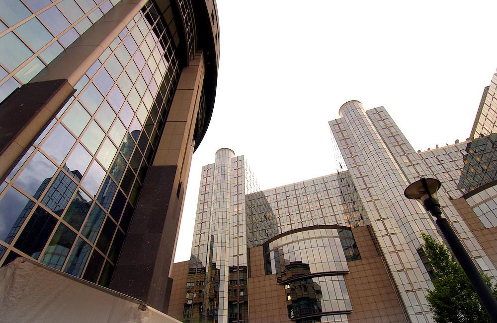 Belgie, Brussel, 28 april 2004.Gebouwen van het Europees Parlement..European Union buildings...Foto (c) Michiel Wijnbergh