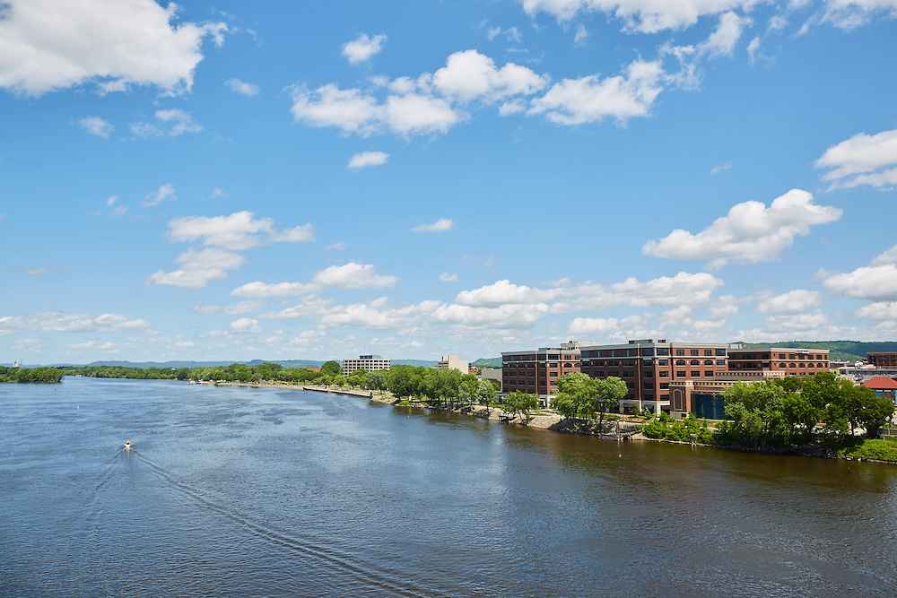 Buildings; Downtown; Location; Outside; Time/Weather; day; Downtown La Crosse views; boat mississippi