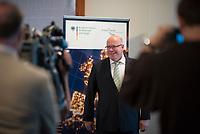 DEU, Deutschland, Germany, Berlin, 18.07.2019: Bundeswirtschaftsminister Peter Altmaier (CDU) bei einem Interview nach einer Pressekonferenz zum Thema Reallabore der Energiewende.