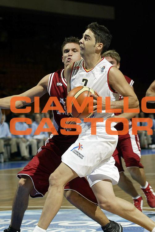 DESCRIZIONE : Novi Sad Eurobasket Men 2005 Spagna<br /> GIOCATORE : Navarro<br /> SQUADRA : Spain Spagna<br /> EVENTO : Eurobasket Men 2005 Campionati Europei Uomini 2005<br /> GARA : Spagna Lettonia Spain Latvia<br /> DATA : 17/09/2005<br /> CATEGORIA :<br /> SPORT : Pallacanestro<br /> AUTORE : Ciamillo&amp;Castoria/Fiba Europe Pool