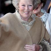 NLD/Amsterdam/20080201 - Verjaardagsfeest Koninging Beatrix en prinses Margriet, aankomst koninging Beatrix
