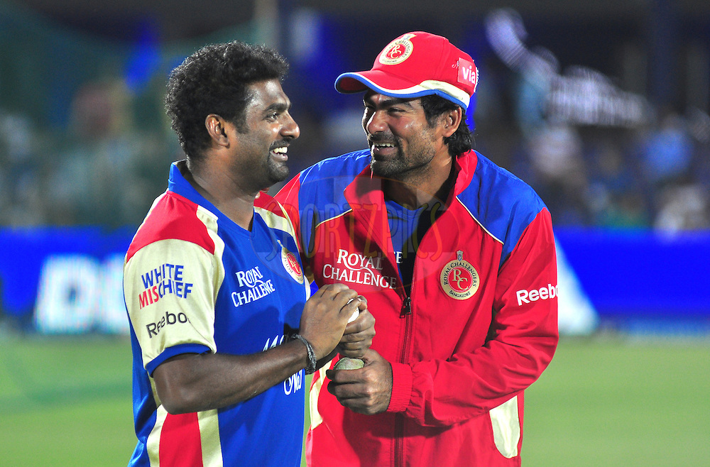 RCB player Muttiah Muralitharan with Mohammad kaif during match 30 of the the Indian Premier League ( IPL) 2012  between The Rajasthan Royals and the Royal Challengers Bangalore held at the Sawai Mansingh Stadium in Jaipur on the 23rd April 2012..Photo by Arjun Panwar/IPL/SPORTZPICS