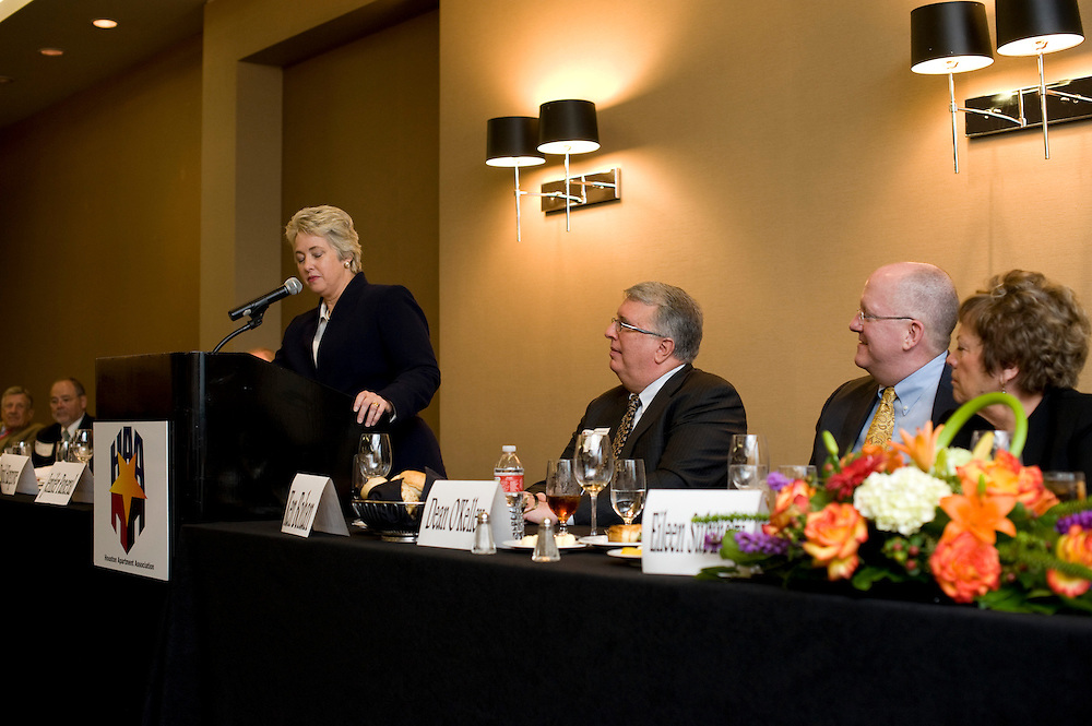 Photograph from the 2012 HAA Hall of Fame Luncheon honoring Ken Bohan, Liberty Personnel, and featuring a presentation by Houston Mayor Annise Parker.