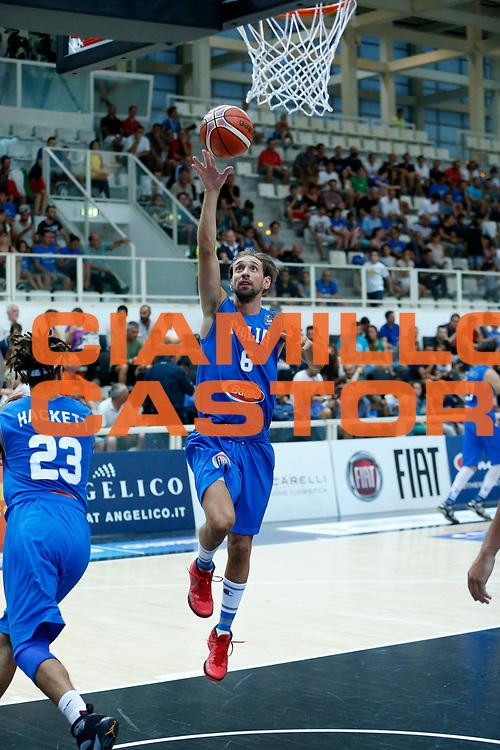DESCRIZIONE : Trento Nazionale Italia Uomini Trentino Basket Cup Italia Paesi Bassi Italy Netherlands <br /> GIOCATORE : Giuseppe Poeta<br /> CATEGORIA : Before Tiro<br /> SQUADRA : Italia Italy<br /> EVENTO : Trentino Basket Cup<br /> GARA : Italia Paesi Bassi Italy Netherlands<br /> DATA : 30/07/2015<br /> SPORT : Pallacanestro<br /> AUTORE : Agenzia Ciamillo-Castoria/G.Contessa<br /> Galleria : FIP Nazionali 2015<br /> Fotonotizia : Trento Nazionale Italia Uomini Trentino Basket Cup Italia Paesi Bassi Italy Netherlands