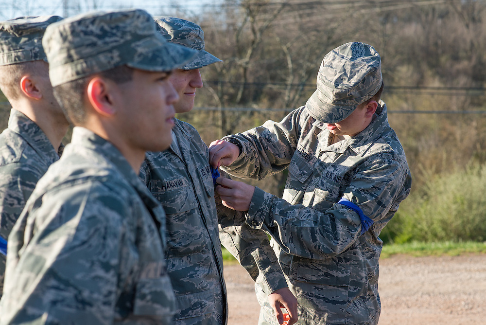 Members of the Ohio University ROTC prepare for their mobile exercise the morning of April 16 by splitting up into teams before the exercise starts. Photo by Ohio University / Kaitlynn Stone