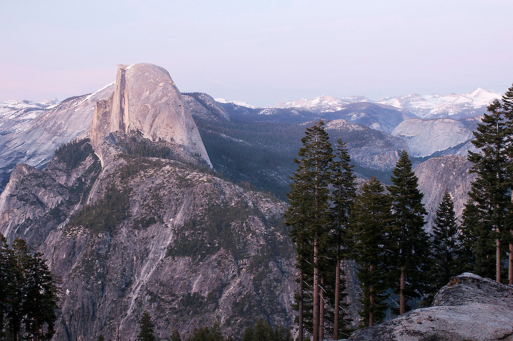 USA, Yosemite National Park (CA).Half Dome and Yosemite Valley at twilight
