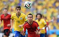v.l. Oscar, Paul Aguilar (Mexiko)<br /> Fussball, FIFA WM 2014 in Brasilien, Vorrunde, <br /> Brasil - Mexico<br /> <br /> Norway only