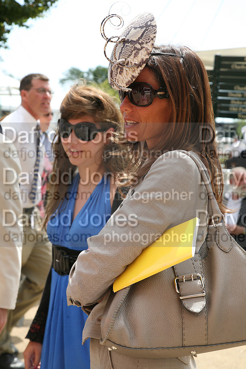 Miss Iona Fraser, Countess Debbie von Bismarck . Glorious Goodwood. 31 July 2007.  -DO NOT ARCHIVE-© Copyright Photograph by Dafydd Jones. 248 Clapham Rd. London SW9 0PZ. Tel 0207 820 0771. www.dafjones.com.