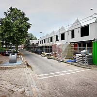 Nederland, Zoetermeer , 5 juli 2012..Oude dorp, laatste fase van bouwproject in Zeeheldenbuurt hoek Karel Doormanlaan/ Van Brakelstraat. Daar heeft Vestia gesloopt en nieuw gebouwd..Foto:Jean-Pierre Jans