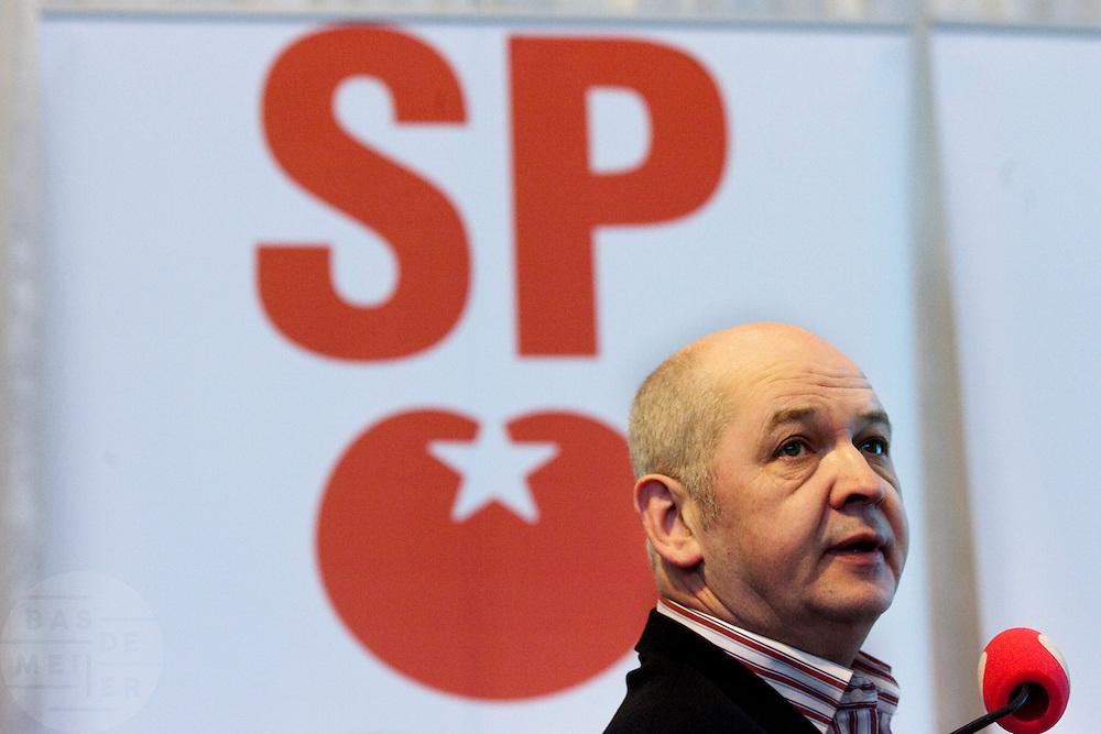 Jan Marijnissen bespreekt de resultaten van de gemeenteraadsverkeizingen tijdens de partijraad van de SP in de Eenhoorn in Amersfoort.