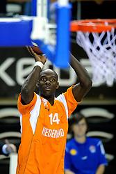 13-09-2008 BASKETBAL: NEDERLAND - IJSLAND: ALMERE<br /> De Nederlandse basketballers hebben hun tweede zege geboekt voor het ek van 2009 in de B-divisie. Oranje versloeg IJsland in almere met 84-68 / Francisco Elson<br /> ©2008-WWW.FOTOHOOGENDOORN.NL