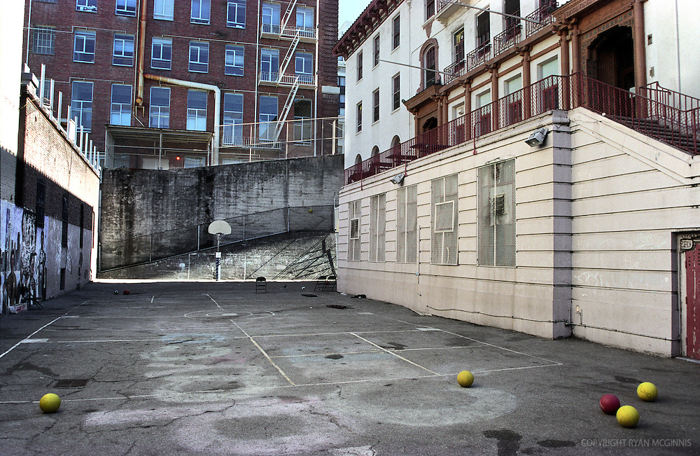 A basketball court in Chinatown, San Francisco, 2002.  The court has since been demolished.
