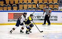 2018-03-14   Jönköping, Sweden: HV71 13 Riikka Välilä being chased by Djurgården Hockey 10 Andrea Dalen during the quarterfinal game between HV71 and Djurgården Hockey at Kinnarps Arena ( Photo by: Marcus Vilson   Swe Press Photo )<br /> <br /> Keywords: Kinnarps Arena, Jönköping, SDHL, Hockey, HV71, Djurgården Hockey, Riikka Välilä, Andrea Dalen