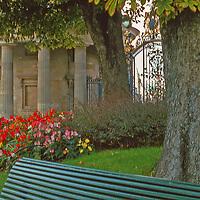 A peaceful park in Paris Parc Monceau on the right bank