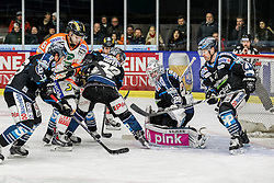 30.01.2015, Eisstadion Liebenau, Graz, AUT, EBEL, Moser Medical Graz 99ers vs EHC LIWEST Linz, 43. Runde, im Bild von links Rob Hisey (EHC LIWEST Linz), Marek Zagrapan (Moser Medical Graz 99ers), Fabio Hofer (EHC LIWEST Linz), Michael Ouzas (EHC LIWEST Linz) und Curtis Murphy (EHC LIWEST Linz) // from left Rob Hisey (EHC LIWEST Linz), Marek Zagrapan (Moser Medical Graz 99ers), Fabio Hofer (EHC LIWEST Linz), Michael Ouzas (EHC LIWEST Linz) and Curtis Murphy (EHC LIWEST Linz) during the Erste Bank Icehockey League 43rd Round match between Moser Medical Graz 99ers and EHC Liwest Linz at the Ice Stadium Liebenau, Graz, Austria on 2015/01/30, EXPA Pictures © 2015, PhotoCredit: EXPA/ Erwin Scheriau