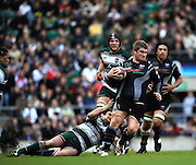 Twickenham, GREAT BRITAIN,   Ospreys', Richard HIBBARD attacking with the ball, during the EDF Energy Cup Final rugby match,  Leicester Tiger vs Ospreys, at Twickenham Stadium, Surrey on Sat 12.04.2008 [Photo, Peter Spurrier/Intersport-images]