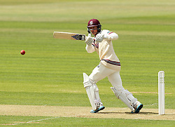 Somerset's Tom Abell hooks the ball - Photo mandatory by-line: Robbie Stephenson/JMP - Mobile: 07966 386802 - 21/06/2015 - SPORT - Cricket - Southampton - The Ageas Bowl - Hampshire v Somerset - County Championship Division One