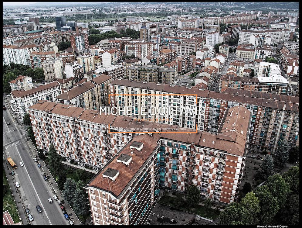 Nella foto: tra via Cigna e corso Vercelli.... Reportage fotografico aereo di bassa quota per l'importante progetto di trasformazione urbana Variante n. 200 al P.R.G. inerente la Linea 2 Metropolitana e Quadrante Nord-Est di Torino: Barriera di Milano, Rebaudengo, Falchera, Regio Parco, Barca e Bertolla.