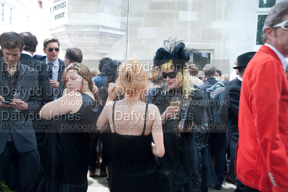 PAM HOGG, Sebastian Horsley funeral. St. James's church. St. James. London afterwards in the church garden. July 1 2010. -DO NOT ARCHIVE-© Copyright Photograph by Dafydd Jones. 248 Clapham Rd. London SW9 0PZ. Tel 0207 820 0771. www.dafjones.com.