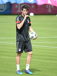 11.05.2015, Trainingsgel&auml;nde an der Sebener Strasse, Muenchen, GER, UEFA CL, FC Bayern Muenchen vs FC Barcelona, Halbfinale, R&uuml;ckspiel, Training FC Bayern Muenchen, im Bild vl. Javi Martinez ( FC Bayern Muenchen ) // during a training session of FC Bayern Munich for the UEFA Champions League semi finals 2nd Leg match between FC Bayern Munich and FC Barcelona at the training Ground an der Sebener Strasse in Muenchen, Germany on 2015/05/11. EXPA Pictures &copy; 2015, PhotoCredit: EXPA/ Eibner-Pressefoto/ Vallejos<br /> <br /> *****ATTENTION - OUT of GER*****
