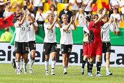 07.06.2011, Tivoli, Aaachen, GER, Frauen WM 2011, FSP, Deutschland (GER) vs Niederlande (NL), im Bild:  Die deutschen Spielerinnen jubeln mit ihren Fans   // during the WM 2012 Friendly Game Germany vs Netherlands at Tivoli Aachen 2011-06-07 EXPA Pictures © 2011, PhotoCredit: EXPA/ nph/  Mueller       ****** out of GER / SWE / CRO  / BEL ******
