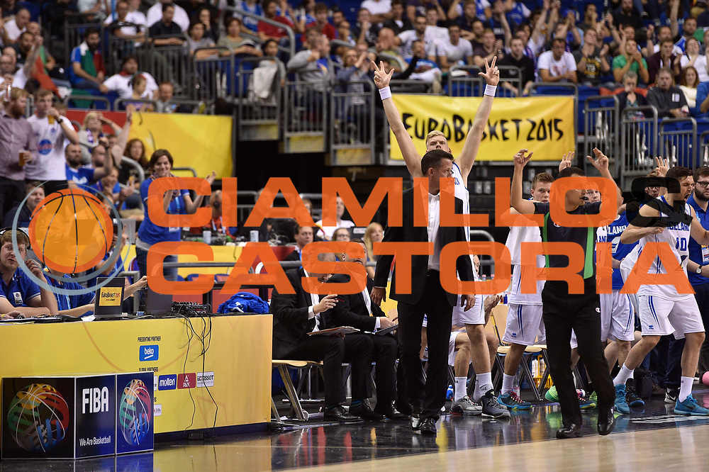DESCRIZIONE : Berlino Berlin Eurobasket 2015 Group B Iceland Italy<br /> GIOCATORE : team iceland<br /> CATEGORIA : esultanza<br /> SQUADRA : Iceland Italy<br /> EVENTO : Eurobasket 2015 Group B<br /> GARA : Iceland Italy<br /> DATA : 06/09/2015<br /> SPORT : Pallacanestro<br /> AUTORE : Agenzia Ciamillo-Castoria/Giulio Ciamillo<br /> Galleria : Eurobasket 2015<br /> Fotonotizia : Berlino Berlin Eurobasket 2015 Group B Iceland Italy