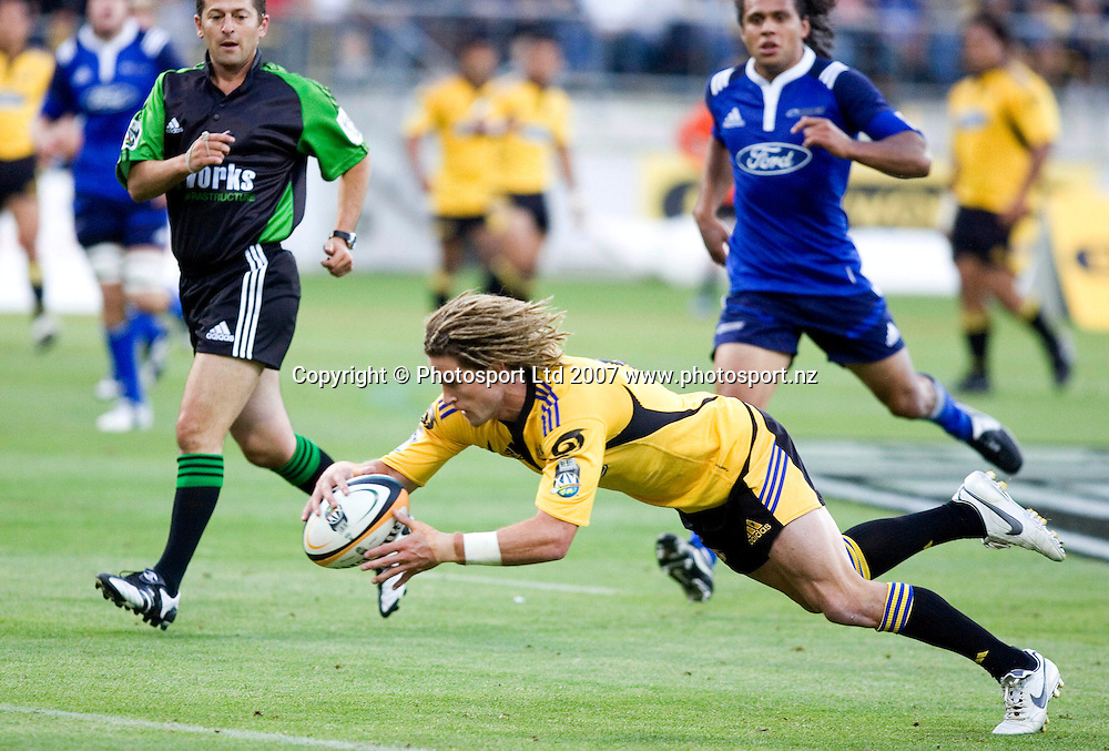 Hurricanes' Cory Jane scores a try in the Super 14 rugby game between the Auckland Blues and the Wellington Hurricanes at the Westpac Stadium in Wellington, 17 February 2007. Photo: Aaron Smale/PHOTOSPORT